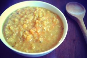 Melengető curry-s vörös lencse főzelék