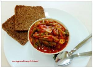 Fokhagymás – paradicsomos zöldbab