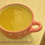 Fűszeres őszi leves hokkaido tökkel, sárgarépával és naranccsal (tejmentes, tojásmentes, hozzáadott cukor-mentes recept)