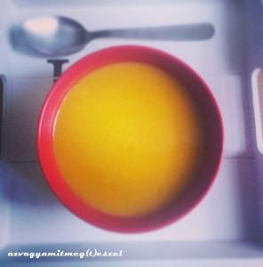 Sütőtök - sárgarépa - narancs leves