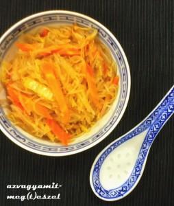 Keleties üvegtészta zöldségekkel