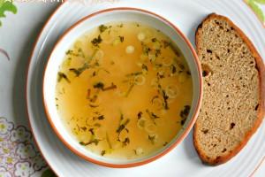 Sült fokhagyma leves